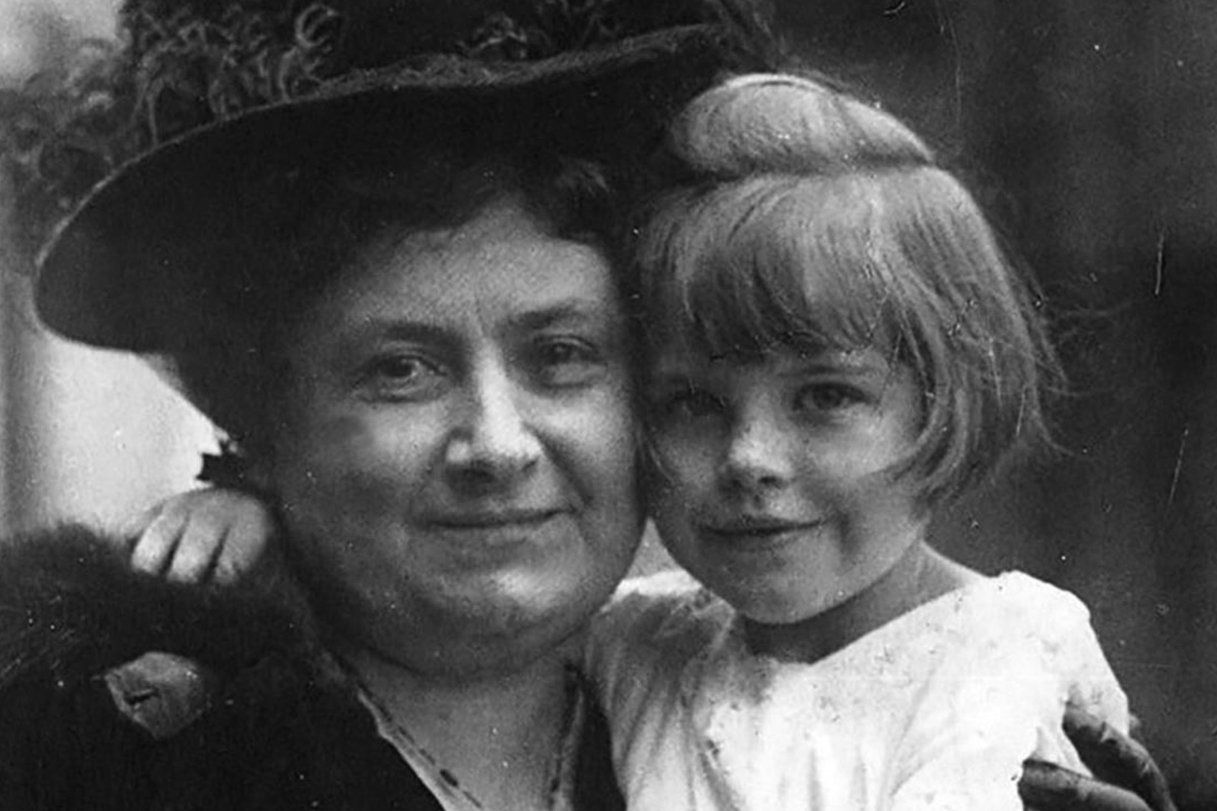 Maria Montessori with children