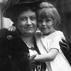 Maria Montessori with Children 02