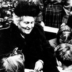 Maria Montessori with Children 07